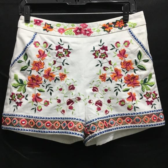Boston Proper Pants - Boston Proper white denim embroidered shorts sz 4